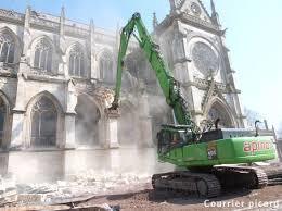 Eglise-destruction