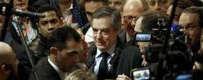 Drame : des journalistes découvrent la vraie vie politique