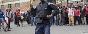 Migrants: un affrontement idéologique et politique majeur, de plus en plus violent